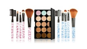 Make-Up Palette and Brush Set