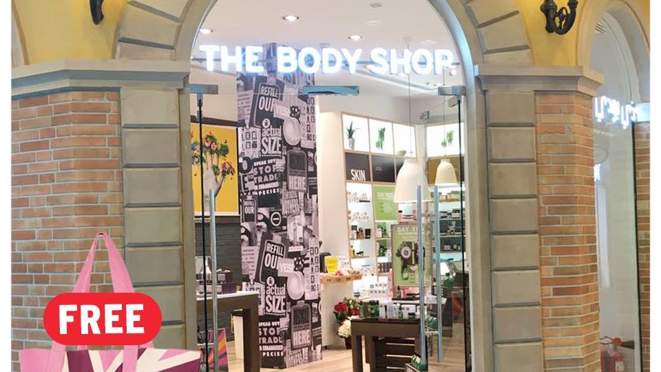 Get FREE Bag when spend AED 299 @ The Body Shop